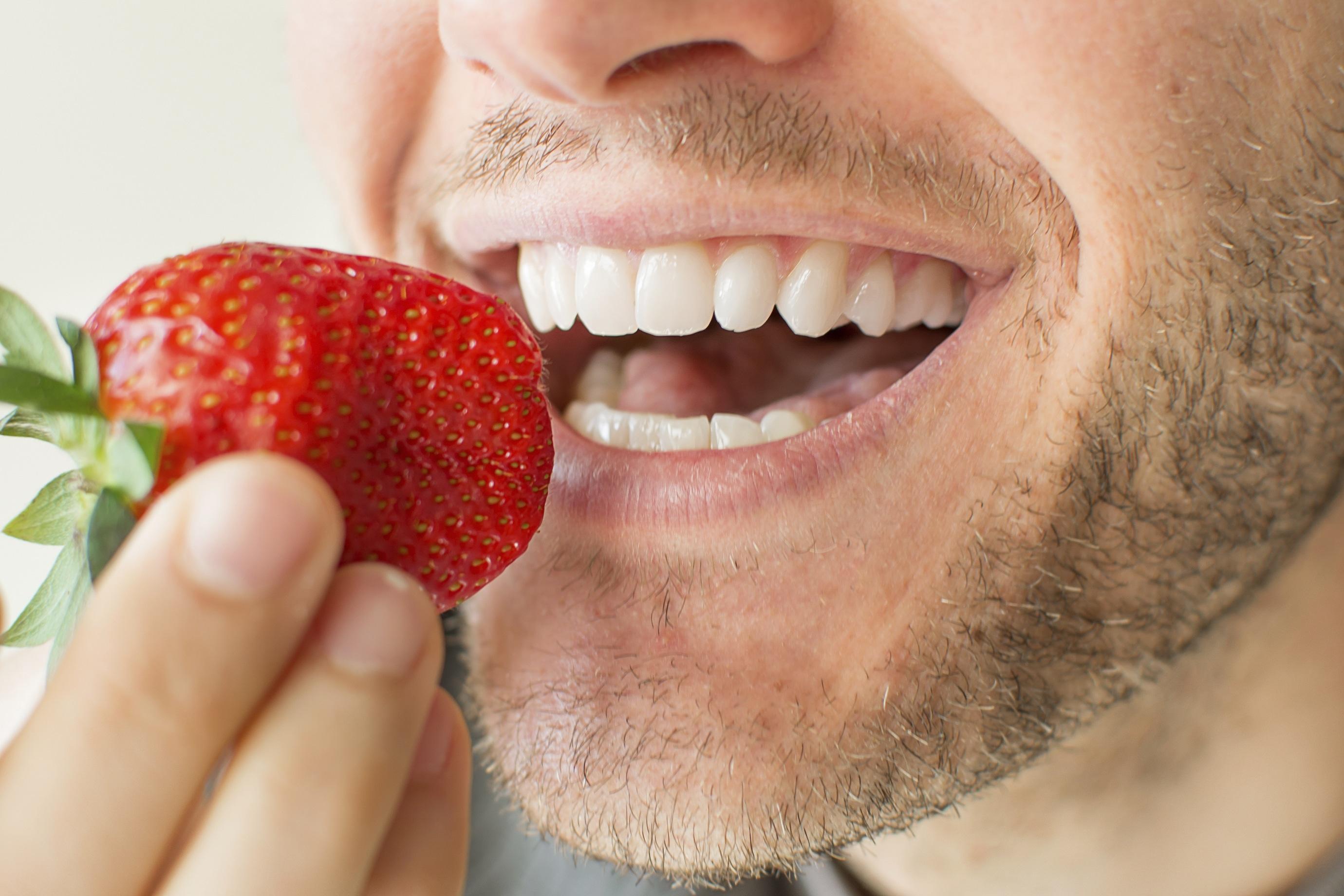 Cómo incide la alimentación en nuestra salud bucal